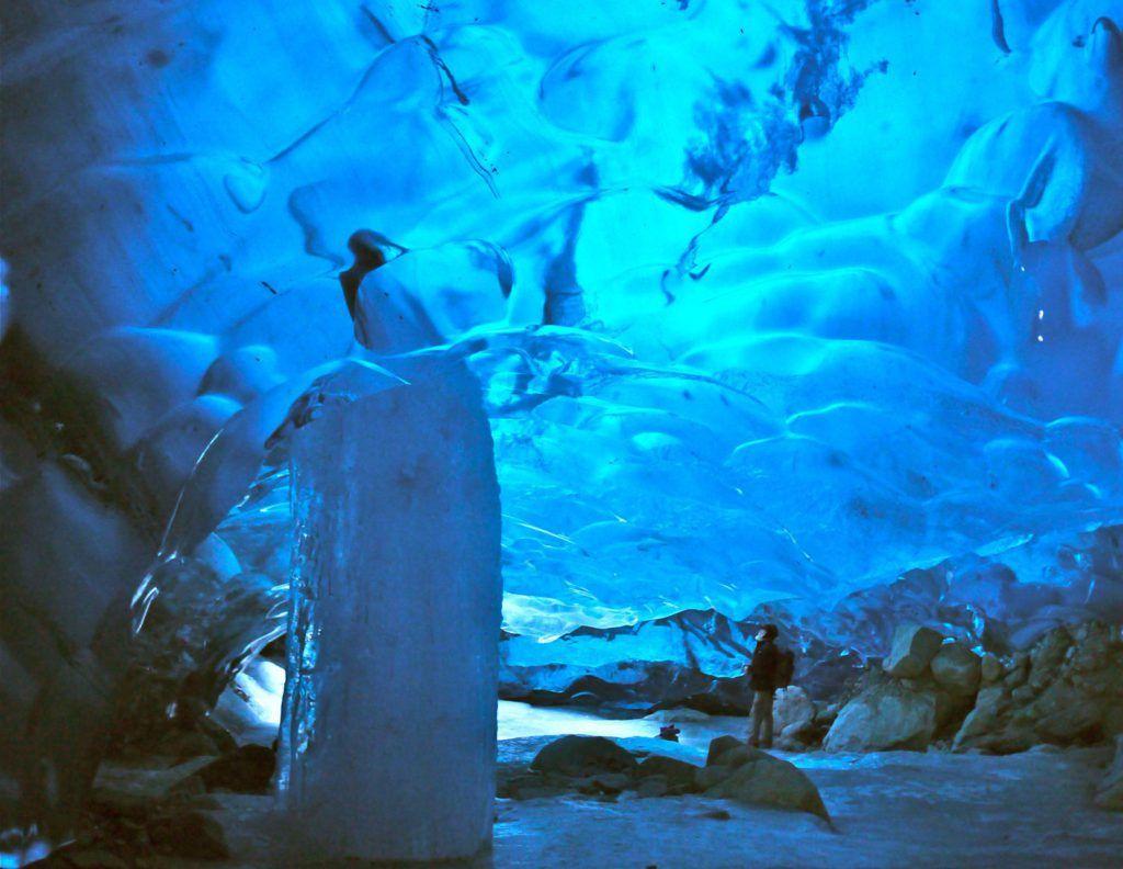 Cueva del Glaciar Mendenhall