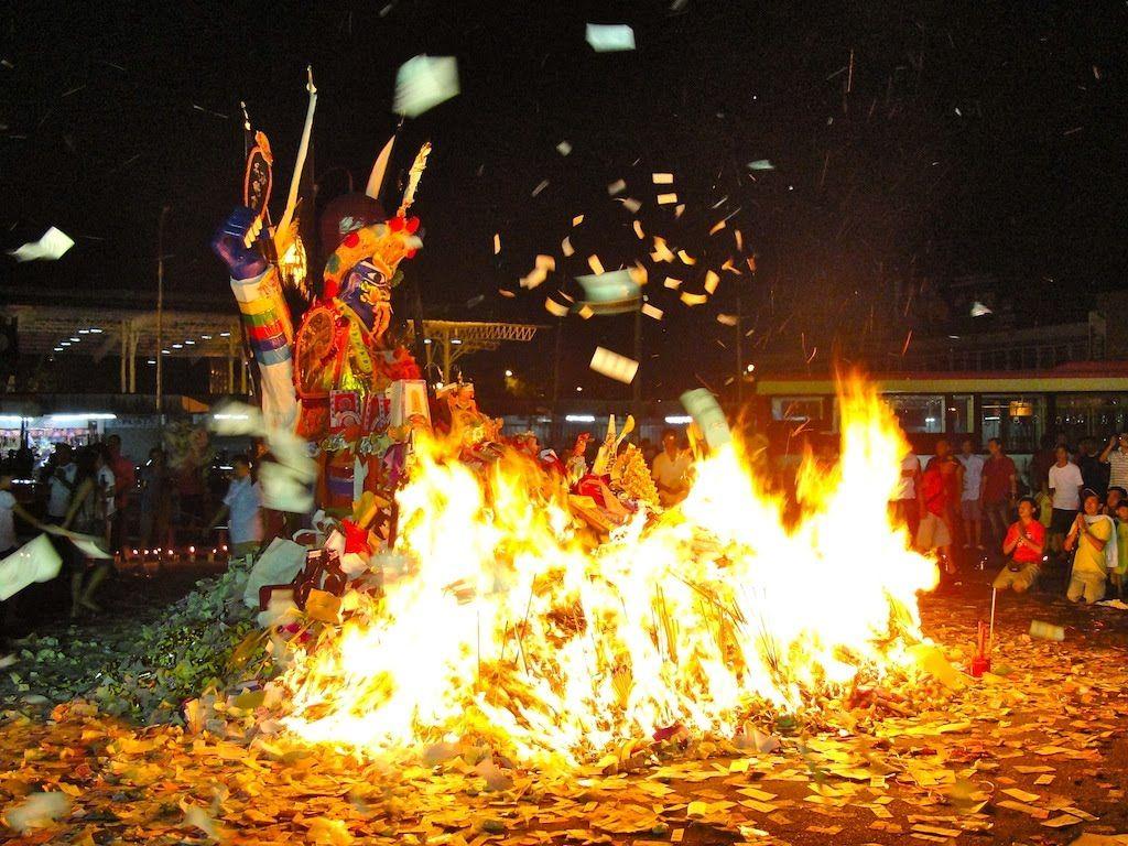 El Festival de los Fantasmas en Vietnam