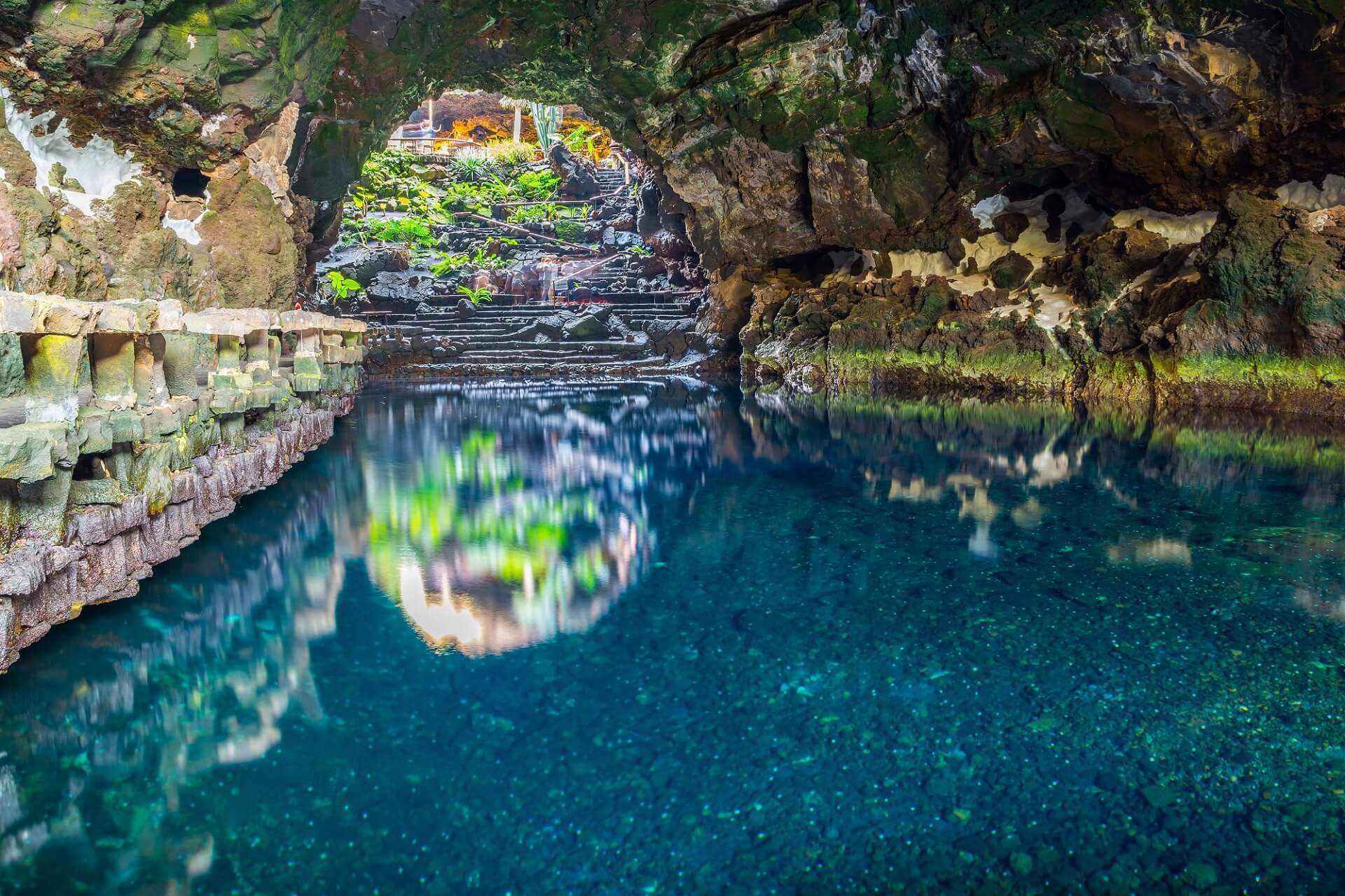 cuevas de los Jameos del Agua