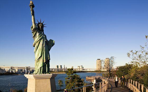 Estatua de la Libertad en tokio