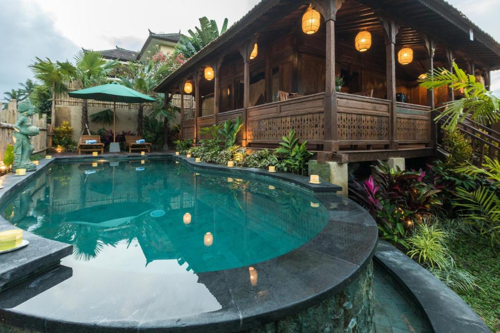 Kawan Antique Ubud Villa