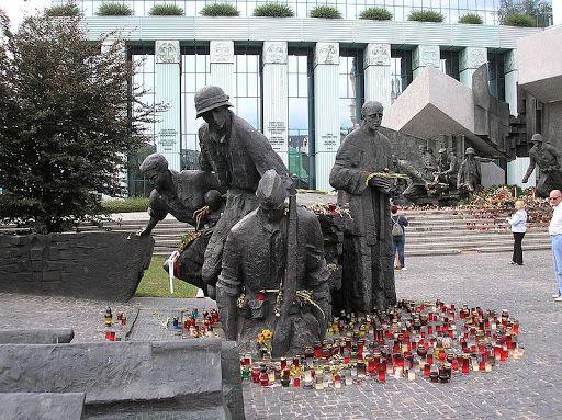 Monumento a la Sublevación de Varsovia