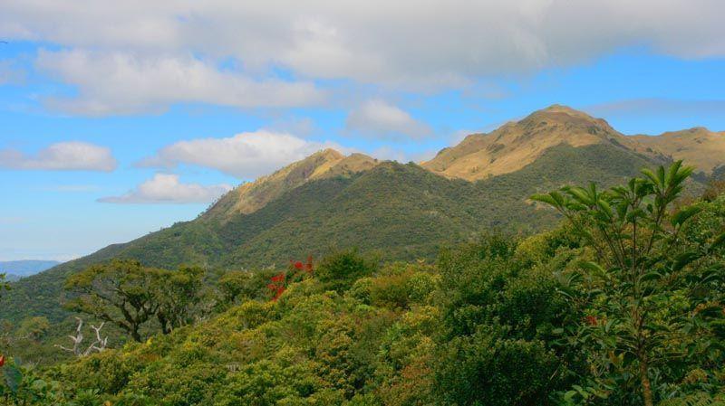 La Cima De Las Montañas De Filipinas 2