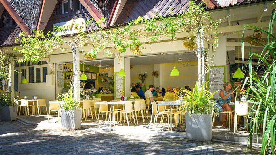 Lemoni Café, Mall F