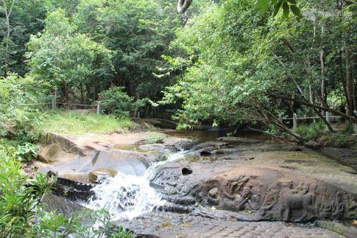 Río de los Mil Lingas Caminata